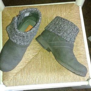 Rocket Dog grey boots